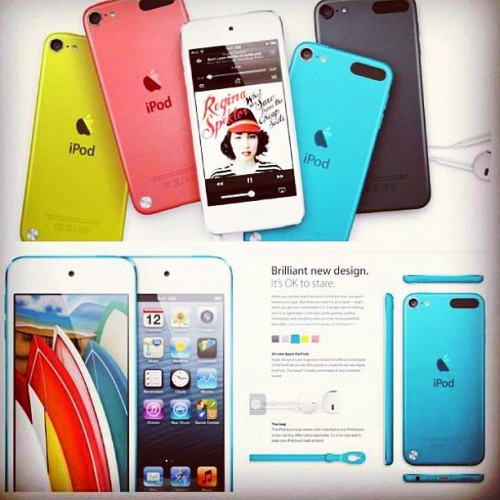 I think itouch is cooler dan the iphone5. :)) want the blue one! Wish for iPad or macbook version of this! Please apple! Haha! #apple #itouch5  (Taken with Instagram)