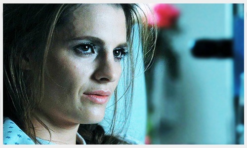 "nora02583:  Rob Bowman: Stana was very concerned in this scene that she didn't look bad enough. So I promised her that when it went into color timing I would make her look like cadaver. Nathan has his full-fleshed tones. I remember e-mailing her, saying, ""By the way, I just left color timing and you look dead"". And she wrote back, ""Thank you"". Only actress in Hollywood who would say, ""Thank you for making me look dead'.— 4x01, ""Rise"" (DVD commentary)"