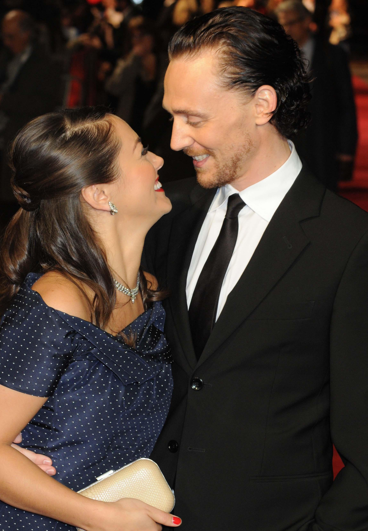 torrilla:  Tom Hiddleston and Susannah Fielding attend the premiere of 'The Deep Blue Sea' at the closing night of The 55th BFI London Film Festival at Odeon Leicester Square on October 27, 2011 in London, England [HQ]