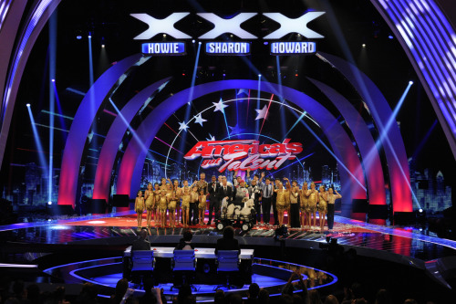Who will be crowned AGT champ? Don't miss tonight's results, plus visits from Bieber, Ne-Yo, and Green Day!