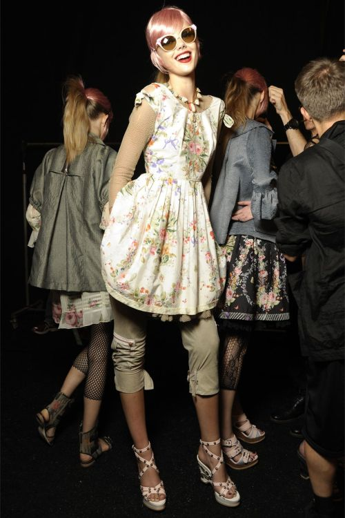 pretaportre:  Frida Gustavsson backstage at Anna Sui S/S 2013 in New York.