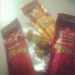 crunkpunk:  Superman #weed, and #blunts all day! (Taken with Instagram)  Jheezzeeee