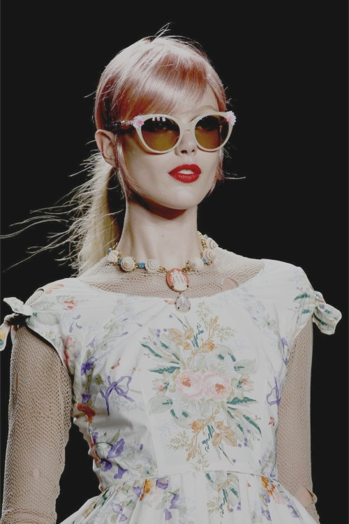 frida gustavsson at Anna Sui spring/summer 2013