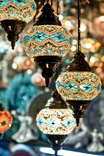 t-a-h-i-t-i:  Turkish Lamps by terriSpath on Flickr.