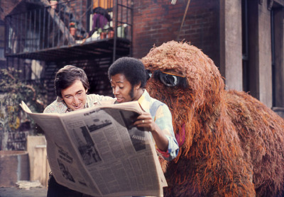 vintagesesame:  Just one of the many near miss encounters between Snuffy and the human cast.