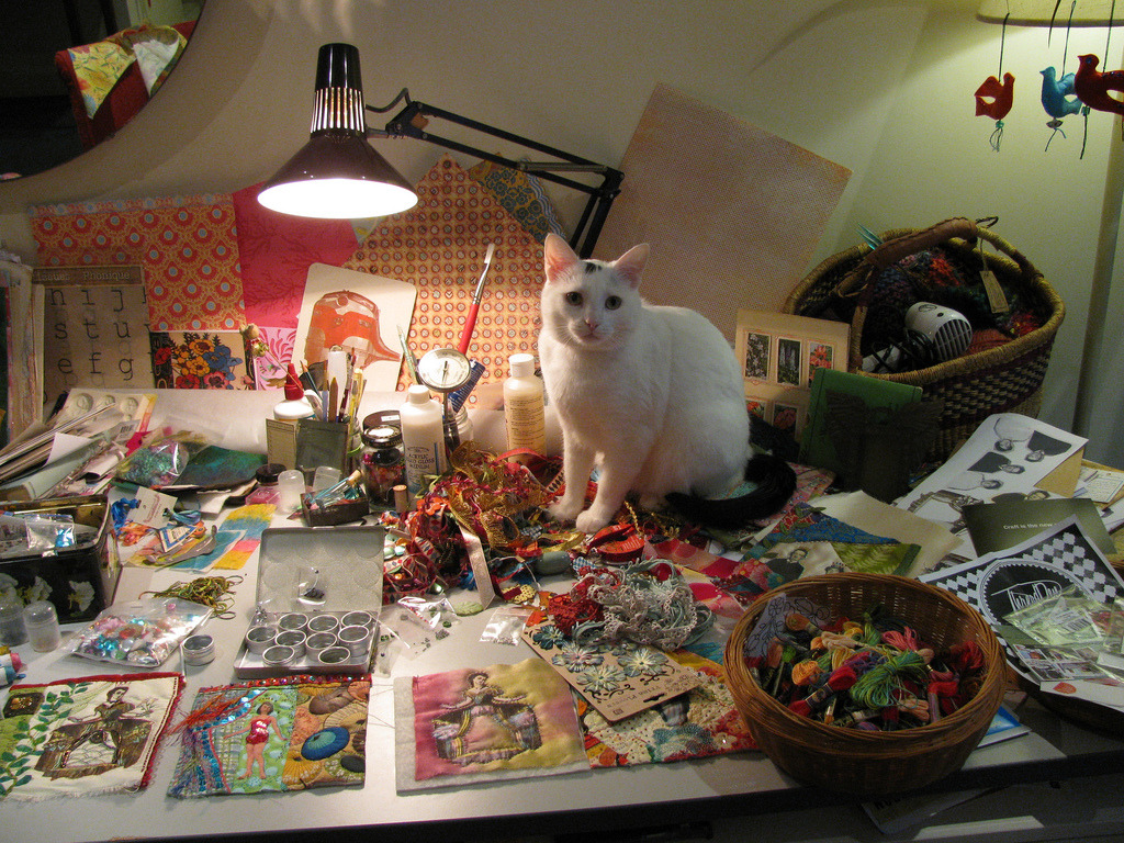 Craft Table Assistant Photo by ©Billie&Marty