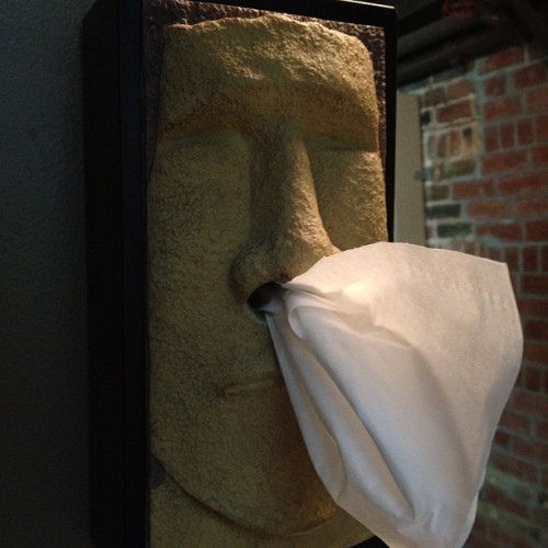 Illest #tissue holder ever. #gym #montreal #paper #papier #quebec #canada #hygeine #bathroom #holder #mirror #easter #island #statue #old #nose #blow #snot #phlegmn #gross #ew #bricks #reflection (Taken with Instagram at Gym du Plateau)