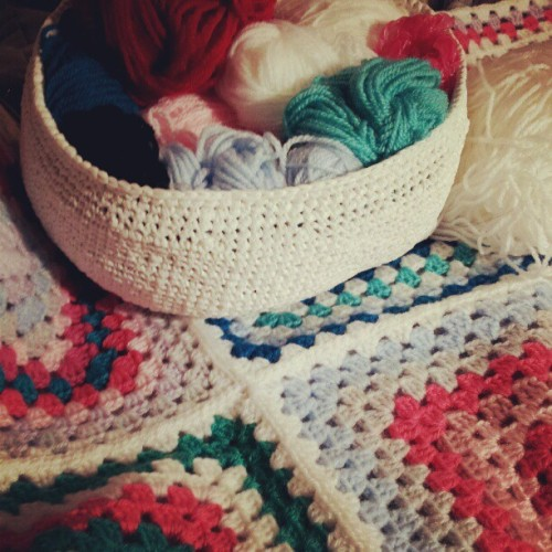 knittwittowo:  Granny squares!! Yarn for grannys in my plarn basket #plarn #grannysquare (Taken with Instagram)