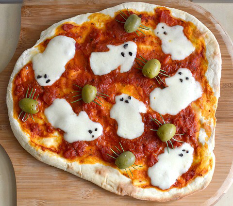 waterbears:  spooky pizza
