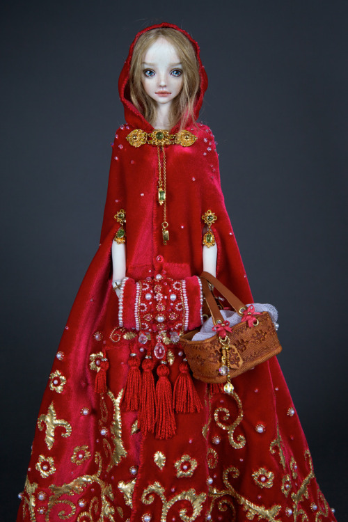 suicideblonde:  Red Riding Hood by Marina Bychkova