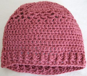 crocheted hat with crocheted ribbing