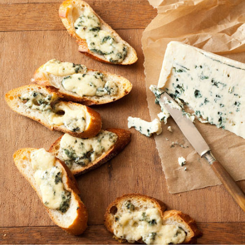 Daily Bite: These Blue Cheese Crisps are perfect when you need a fast appetizer or cocktail party snack!