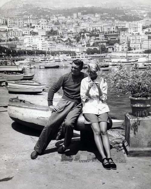 oldhollywood:  Cary Grant & Grace Kelly on the set of To Catch a Thief (1955, dir. Alfred Hitchcock) (via)