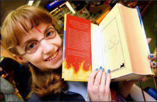 darrenchris:   A DREAM came true for a 'true' Harry Potter fan, Evanna Lynch (11), when she received a copy of the latest Harry Potter book signed by author JK Rowling, one of just a half dozen in the country. 'The Order of the Phoenix' was released for sale at 7.30am last Saturday, and after consultation between the Lynch family, Our Lady of Lourdes hospital and Eason's booksellers, Evanna was allowed out of hospital for an hour to collect her book. (x)  'Eason's staff facilitated Evanna's purchase, putting a signed copy aside for her. Clutching her prized possession, Evanna went back to the Lourdes hospital, and had read 69 pages by lunchtime!'