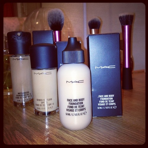agarcc:  I'm kiiiiind of ridiculous.. #makeup #boymakeup #foundation #MAC #flawlessness #fabulousness (Taken with Instagram)