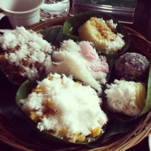 #instafood Indonesian snacks 💚 (Taken with Instagram at Warung Kopi)