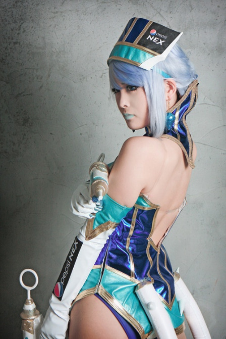 Here's another amazing shot of Geumdong as Tiger & Bunny's idol heroine Blue Rose.