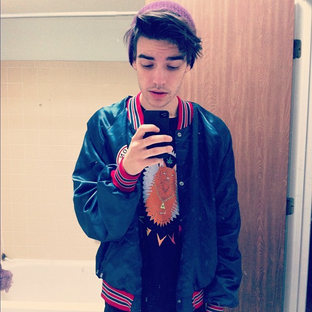 aalaskaa:  Been cold. #bestjacket #thxdood (Taken with Instagram)  hai cutie pie :3