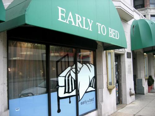"hotqueerpornfest:  In September 2001 Early to Bed opened shop on Chicago's north side. We felt that Chicago was in dire need of a place where women (and people of all genders) could shop for quality sex toys in a safe, welcoming space. Knowing that many women were uncomfortable in ""traditional"" adult stores, we felt that by creating a sex-positive, women-oriented shop, more women would feel comfortable taking control of their sexual selves and finding new ways to experience pleasure with their partners and on their own. Our shop is staffed by people who take their sex toys seriously and are able to honestly answer questions about toys and sex in general. We help people from all walks of life find toys, books, accessories and information to help them have happier, healthier erotic lives. Since opening the shop, EtB has not only provided sex toys and information to countless people, but also has worked hard to spread our sex-positive message everywhere we can. We offer workshops in our store on a wide-range of topics and we host in-home PleasureWare Parties and Private Workshops so people can shop for toys in a fun, party-like atmosphere. We give sex-positive talks and lectures at colleges, social groups and community events. EtB is an active supporter of many local and national organizations that promote and support women's health and sexual well-being.  http://early2bed.com/"