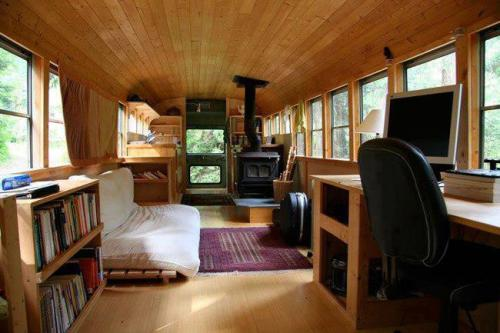 rexilsor:  keen-incisions:  Living off the grid: An old school bus turned into a comfortable, tiny moving home  that actuALLY LOOKS REALLY NICE??????? whoa