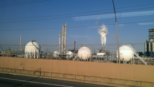 passing thru Elizabeth NJ on the NJTurnpike… on Flickr.