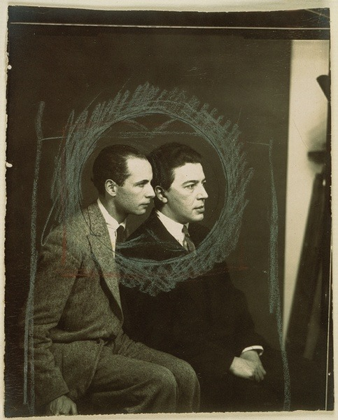 nineangels:  Man Ray — Louis Aragon et André Breton, 1925 (via Cup3Tint3: Man Ray)