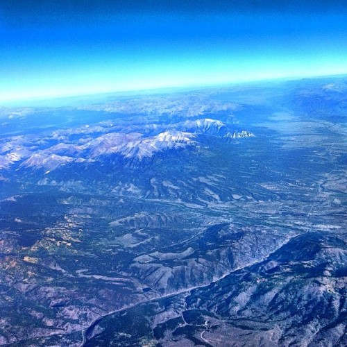 View from the sky #USA #mountains #rockies #sky #horizon #instasky #nature #flying #instahub  (Taken with Instagram)