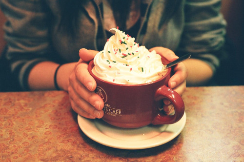 raspberry hot chocolate (by susan xie)