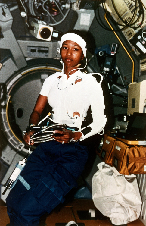 theantidote:  Mae Jemison Became 1st Black Woman To Fly In To Space On This week In 1992 On September 12, 1999, Jemison fulfilled a lifelong dream she held ever since she was a small girl in Chicago by becoming the first African-American woman to fly in to space. Graduating in 1977 with a dual degree in chemical engineering and African-American Studies, Jemison faced racism from professors as a Black woman taking up engineering. Jemison later obtained a Doctor of Medicine in 1981 from Cornell University and travelled to developing countries to provide primary care. (via fuckyeahfeminists:)