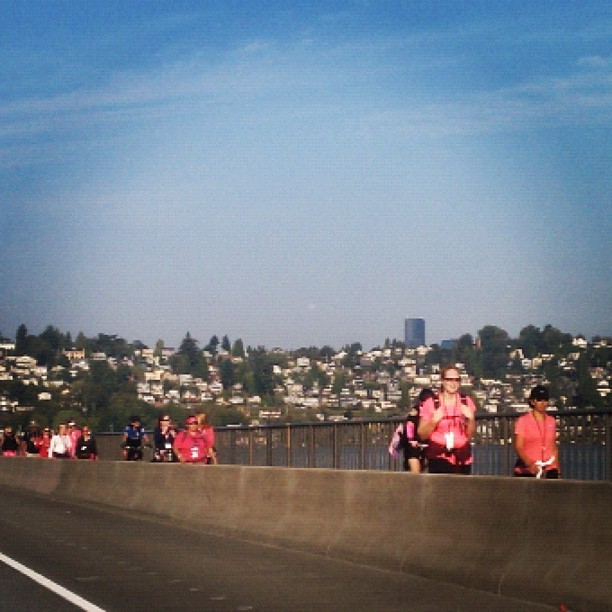 Feeling inspired on the way to work! @KomenForTheCure @the3day walkers on a beautiful Seattle morning! (Taken with Instagram at Mercer Island)