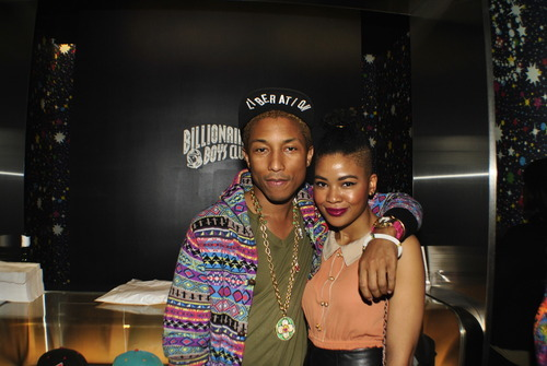 "- Teff x Company | Peace! So. I was Blessed with the opportunity to meet the quintessential, Pharrell this past FNO. In the slew of compliments he lent me regarding my hair, I never got the chance to express to him the magnitude of his greatness. Nope, could barely get a word in. Ha! Anyways, as I walked away after having this picture taken, he called to me, I turned around and he said, ""keep expressing yourself"". Best words to say to The Expressionist. x"
