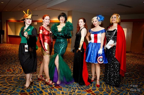 toughtink:  Davin Ng just posted some more Dragon Con photos to his facebook, and this was among them! :D i love being able to get a better look at these. LOVE the ms cap's fascinator! and i just noticed black widow's earrings! eee! and ms thor has the cutest expression here. X3