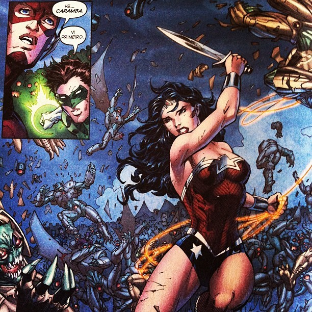 pratanos:  #justiceleague #3 #new52 #flash, #greenlantern & #wonderwoman  (Publicado com o Instagram)
