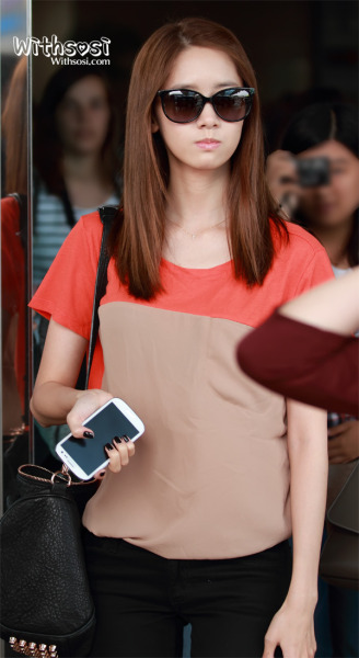 yoonyultv:  [120914] Yoona at Incheon airport by withsosi
