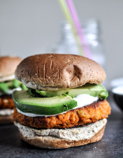 foodfetishfridays:  Smoky Sweet Potato Burgers with Roasted Garlic Cream & Avocado by How Sweet It Is