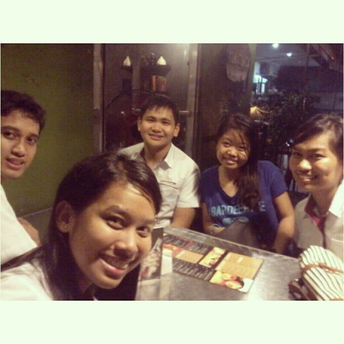 09.1314.2012 SMILE :D #Thursday with #marion @paulvernonlim @abbyDcruzsion @mushroomkaboom at #tomatokick #maginhawa ;) #2012 #vernon #abby #ija #mandy #thursdayclub #friends #restoringrelationships #memories #photoblog #favourite #love<3 #5AR-2 #Arkitektwo #icedtea #impromptu #starbucks #college #buhayarki #night #bonding #bestfriends #smile #upv #;) (Taken with Instagram)