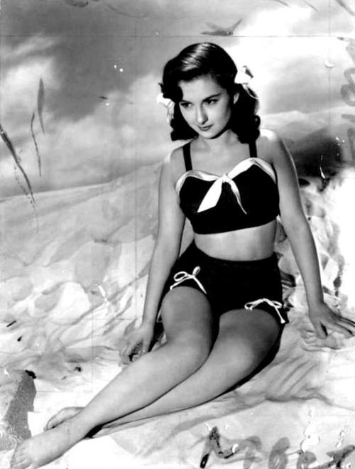 Joan Lorring http://www.fanpix.net