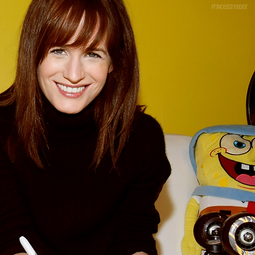 20 / 100 photos of Elizabeth Reaser
