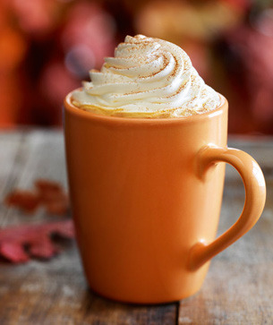 peachy-blisss:  pumpkin spice latte! perfect for halloween ;)