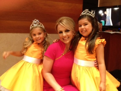 OMG these girls were absolutely precious!!! Talented little princesses :)