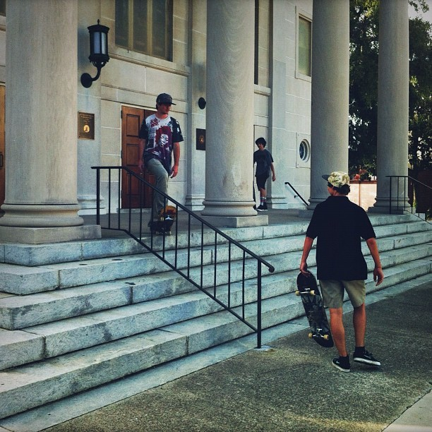 Sizing it up. #savannah #georgia #skateboarding @wes_coast @billygriffin @noahdd  (Taken with Instagram)