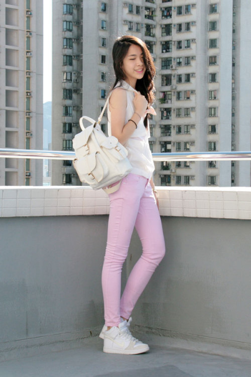 By pairing her kicks with powder pink jeans, Fashion Click blogger Zoe S. of Fashiononymous creates a stylish and school-ready look. Learn more about her outfit here »