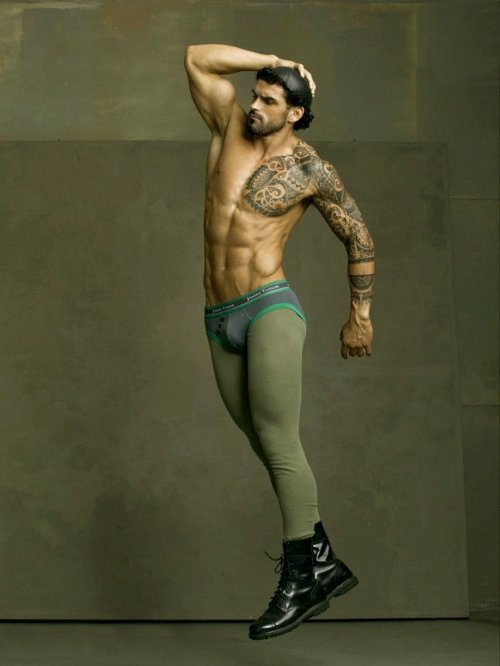 tumblinwithhotties:  Stuart Reardon (more Stuart)