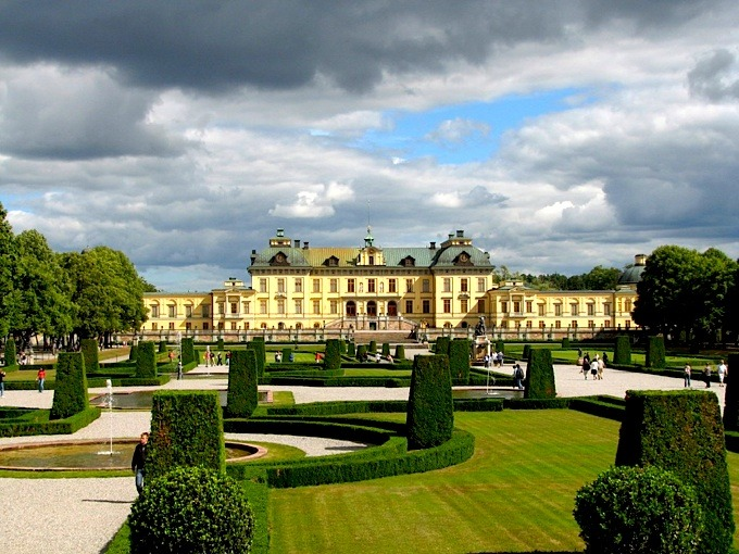 | ♕ |  Swedish Royal Palace, Stockholm  | by © visitatworld | via ysvoice