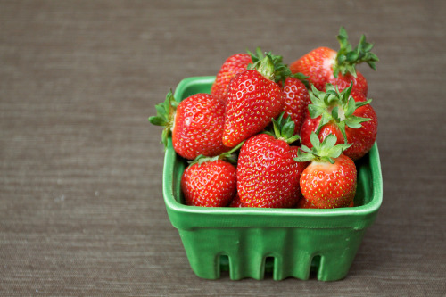 thefruitmarket:  May 4, 2012 - Strawberries (by the boastful baker)