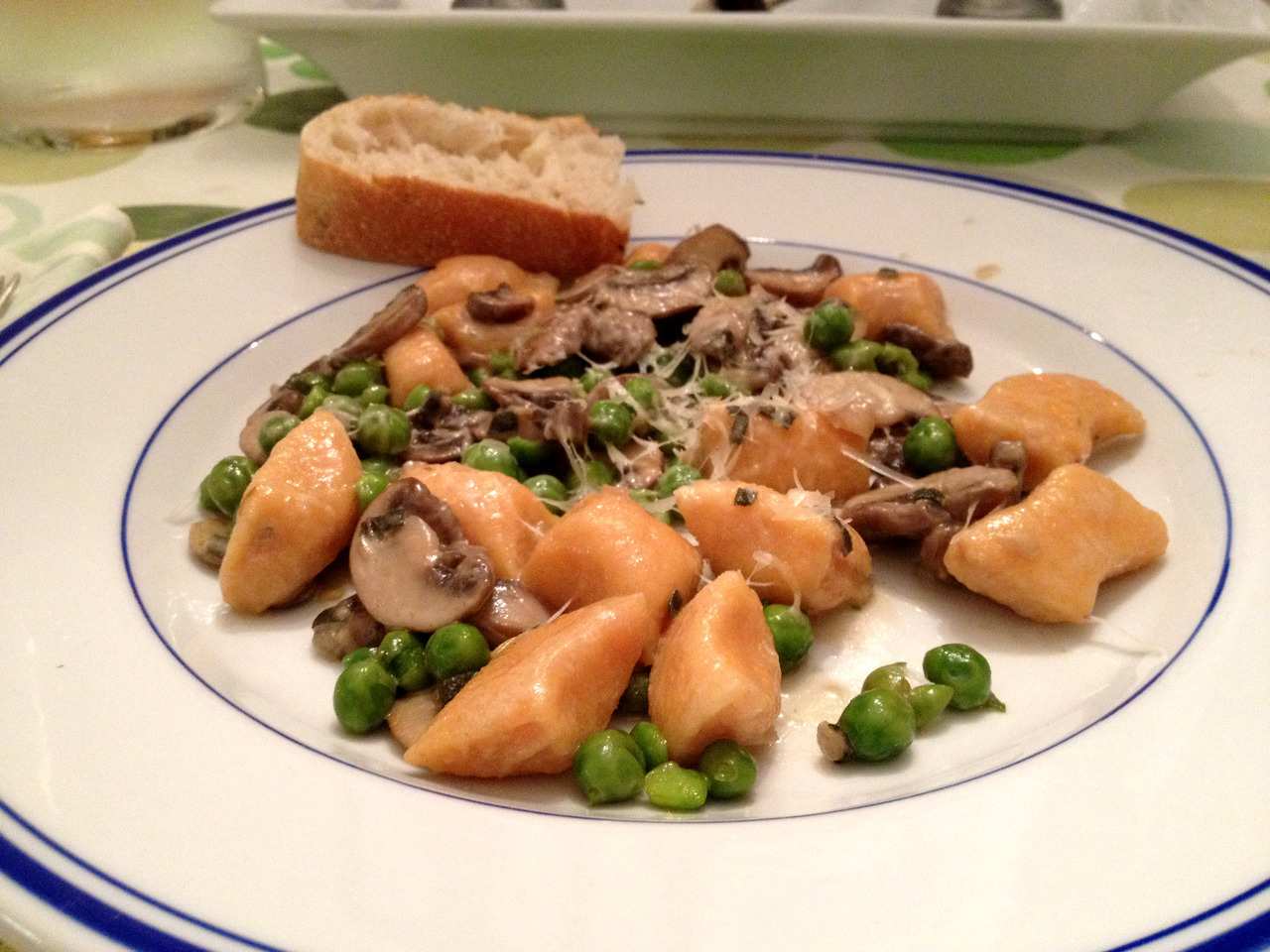 Sweet Potato Gnocchi with Mushroom, Sage Cream Sauce I completely forgot about this draft. It was a delicious recipe collaboration and possibly the best food photo I've taken with my meager photographer noob means. We made the sweet potato gnocchi from the first recipe and combined it to the sauce in the second + peas. It'd probably be a good idea to try the pumpkin gnocchi in the second recipe as well :} Anyways, it was scrumptious. The recipe for the gnocchi made tons, and they can be frozen, so I thought about making some sort of Moroccan sauce to add with them later on for an Italian and North African lovechild dish.