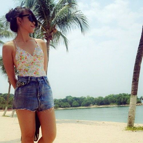☀ #floral #billabong #tribal #sun #sand #beach #sentosa #palawan #singapore #igsg #ootd  (Taken with Instagram at Palawan Beach)
