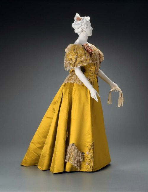 Dress Rouff, 1895 The Museum of Fine Arts, Boston