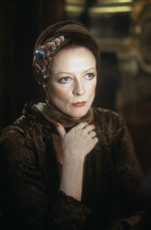 bohemea:  Maggie Smith   Love her