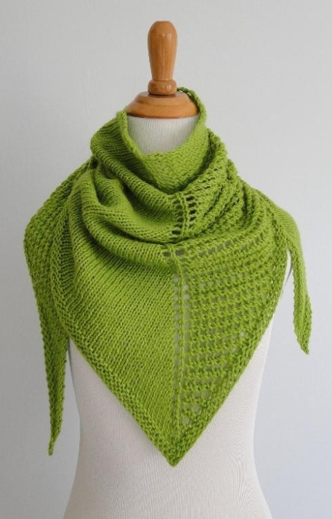 craftyhoneybird:  Dichotomy Knitted Shawl Pattern (via Craftsy)